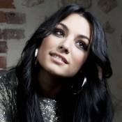 """Sarah Riani : Regardez-la interpréter """"Tout était écrit"""", son titre inédit sur le single """"Intouchable"""" !"""