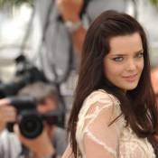 Cannes 2010 - L'exquise Roxanne Mesquida illumine la croisette avec son premier film américain !