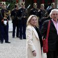 Véronique Sanson et son compagnon à la remise d'insigne de Gilbert Coullier, le 20 mai 2010.