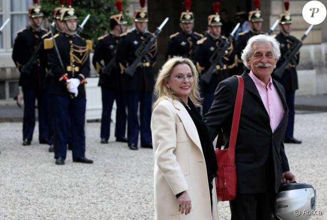 V ronique sanson et son compagnon la remise d 39 insigne de gilbert coullier le 20 mai 2010 - Compagnon de veronique sanson ...
