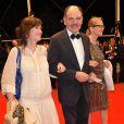 Pour la projection nocturne du film Uncle Boonmee Who Can Recall His Past Lives, le 21 mai à Cannes, Mathilda May montait les marches...