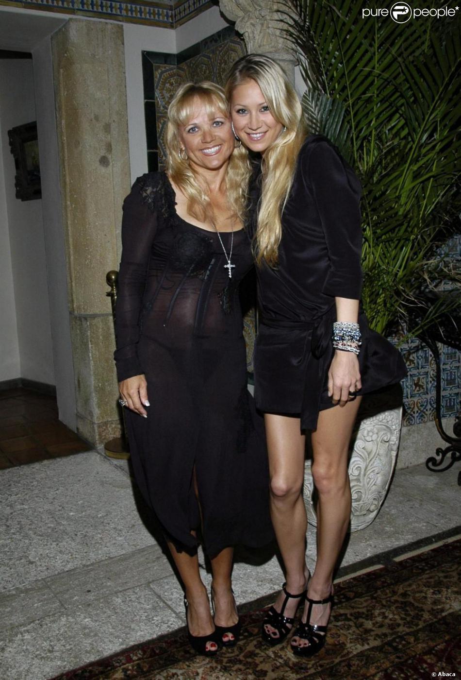 Anna Kournikova et sa mère Alla ... Scarlett Johansson Divorce