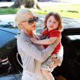 Christina Aguilera et son mari, Jordan Bratman, se rendent chez le papa de ce dernier en compagnie de leur fils Max Liron, 2 ans, pour déjeuner, samedi 29 mai.