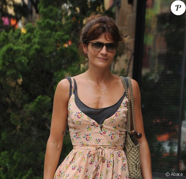 Helena Christensen dans le quartier de Greenwich Village à New York, le 1er juin 2010