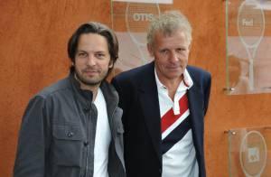 Roland-Garros 2010 - Patrick Poivre d'Arvor et son fils très complices devant une Hélène Ségara version Far West !