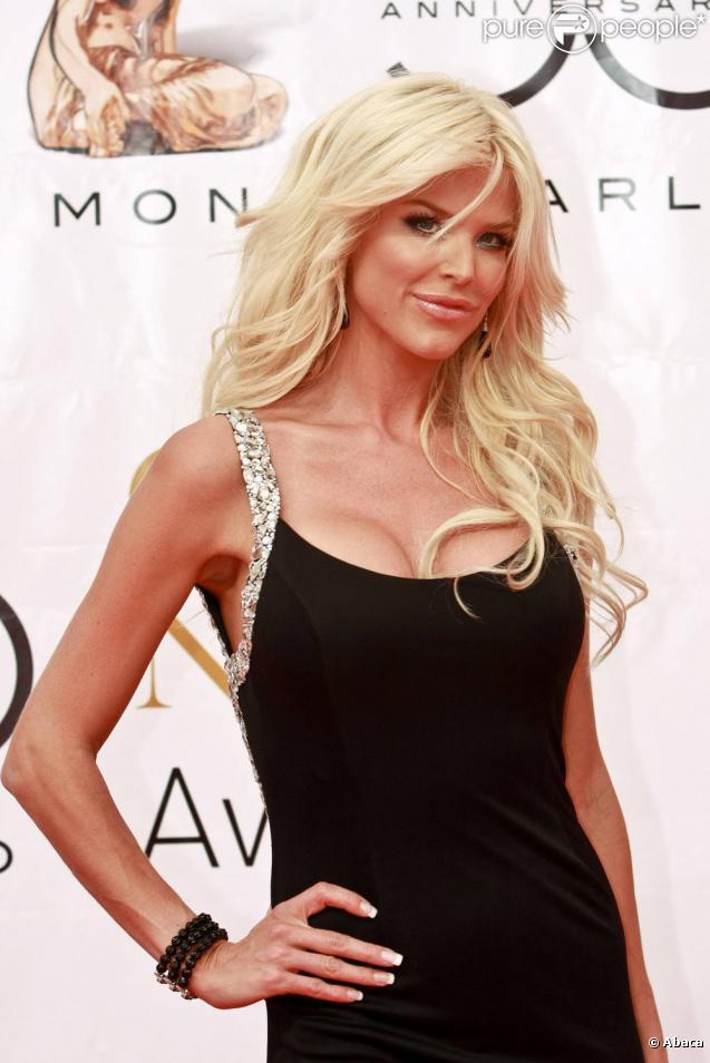 Victoria Silvstedt, sexy au Festival de Monte-Carlo (10 juin 2010 à Monte-Carlo)