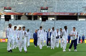 Mondial 2010 - Regardez l'arrivée des femmes de nos Bleus en Afrique du Sud... un déplacement à 240 000 euros !