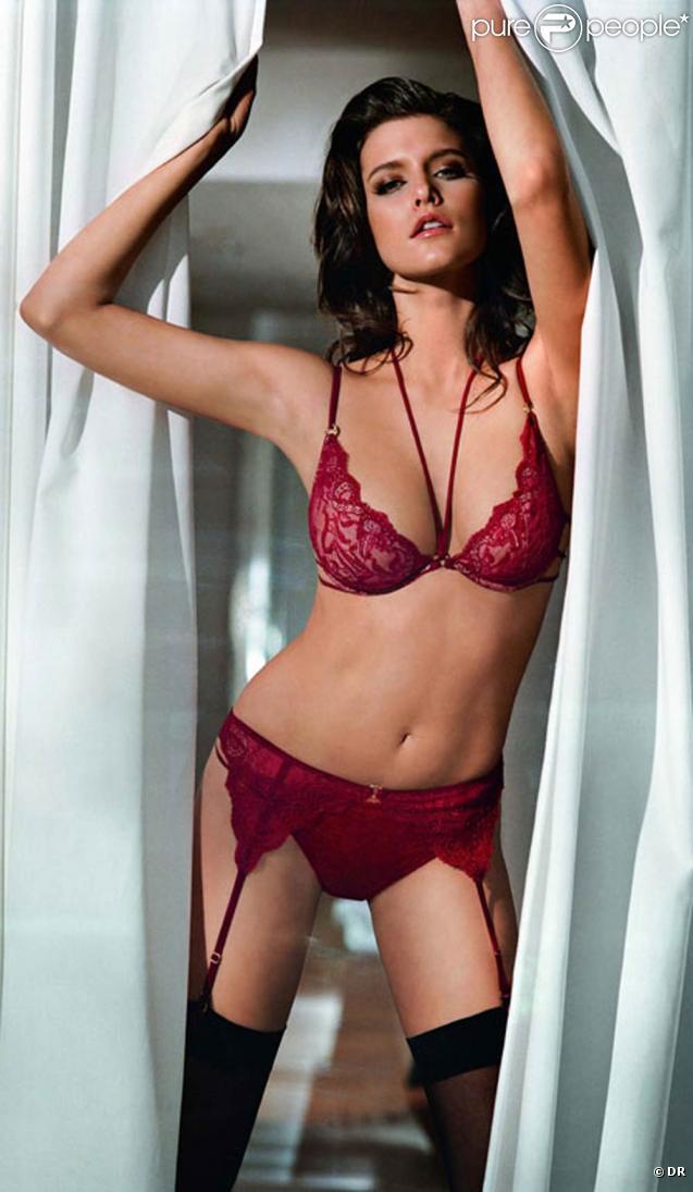 La magnifique Kim Cloutier pour la collection Back Edition de la marque de lingerie Femilet.