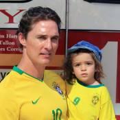 Matthew McConaughey et l'adorable Levi en supporters de foot... ils ont choisi leur camp !