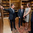 Nicolas Sarkozy et Carla Bruni à Londres pour le 70e anniversaire de l'appel du 18 juin. Ici avec le Prince Charles, dans l'ancien quartier général du chef de la France libre.