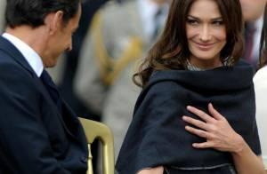 Carla Bruni, de toute beauté, amoureuse comme jamais de son Nicolas... a ébloui les Anglais !