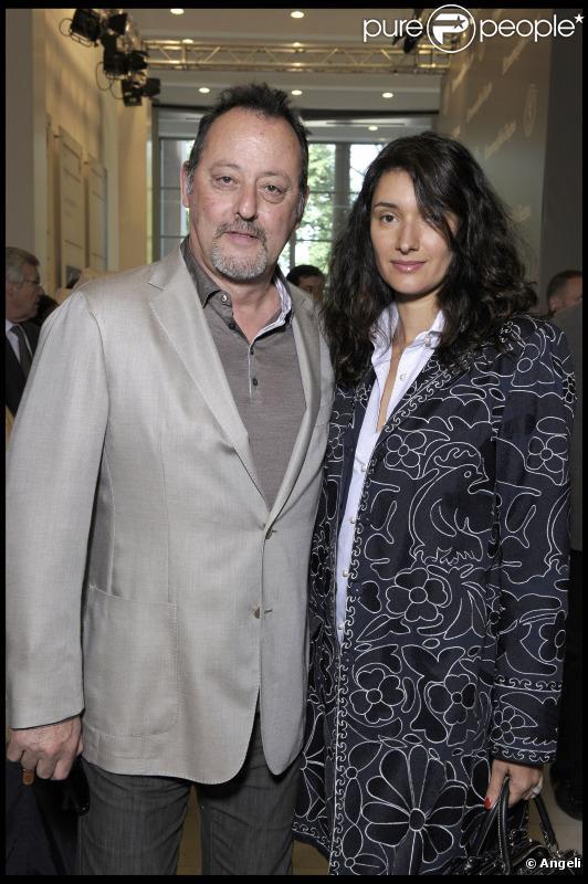 Jean Reno et son épouse Zofia Borucka lors du défile Ermenegildo Zegna à Milan pour la collection hommes printemps/été 2011 le 21 juin 2010