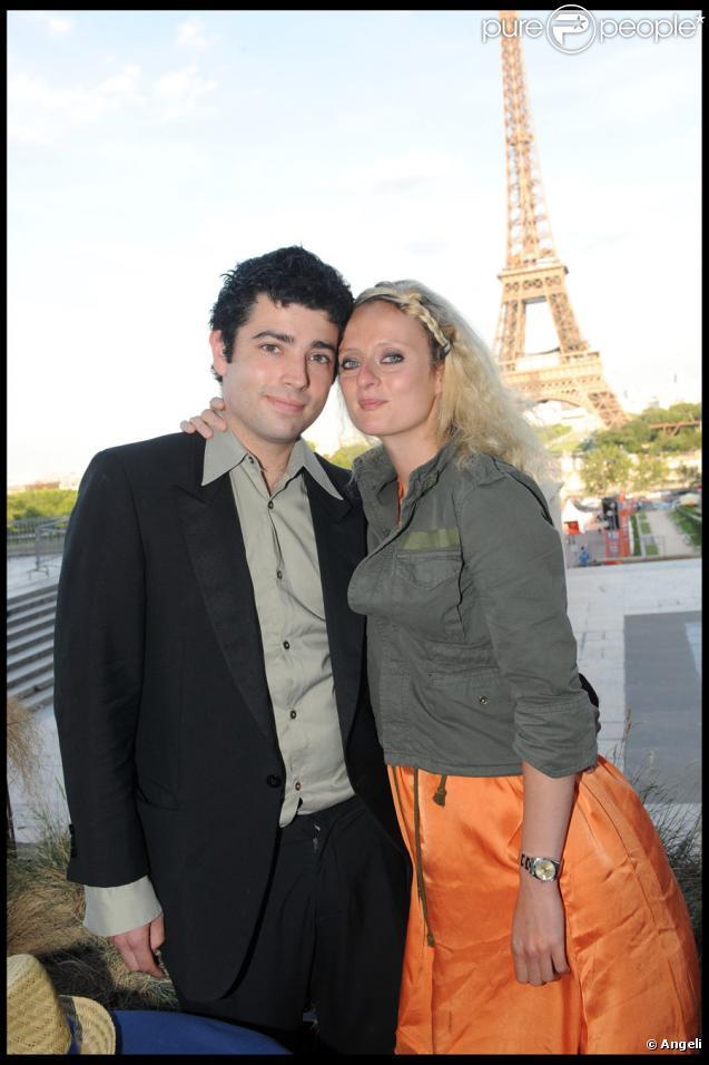 Jimmy et Aurore Auteuil lors de la soirée 1664 au Café de l'Homme à Paris le 22 juin 2010