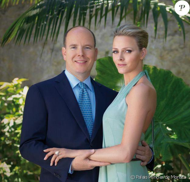 Photo officielle de l'annonce des fiançailles de Charlene et Albert