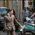 Ed Westwick sur le tournage de Gossip Girl à Paris, le 6 juillet 2010