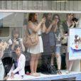 Des fans sur le tournage de Gossip Girl à Paris, le 6 juillet 2010