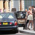Ed Westwick et Clémence Poésy sur le tournage de Gossip Girl à Paris, le 6 juillet 2010