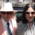 Nana Mouskouri et son mari André Chapelle au défilé Jean-Paul Gaultier