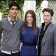 Dev Patel, Jackson Rathbone et Nicola Peltz présentent leur film  Le Dernier Maître de l'Air  à l'hôtel Bristol à Paris, vendredi 9 juillet.