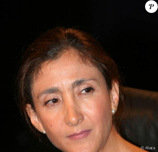 Devant l'indignation qu'elle a provoquée, Ingrid Betancourt n'a pas d'autre choix que de se raviser : elle renonce à sa demande d'indemnisation auprès du gouvernement colombien.