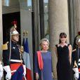 Carla Bruni reçoit les épouses des présidents africains. Paris, le 13 juillet 2010