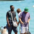 Will.i.am des Black Eyed Peas flâne à Saint-Tropez le 14 juillet 2010, au lendemain de son concert privé au Byblos avec apl.de.ap