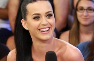 Katy Perry : Terriblement sensuelle et intégralement nue... Prête à tout pour vendre !