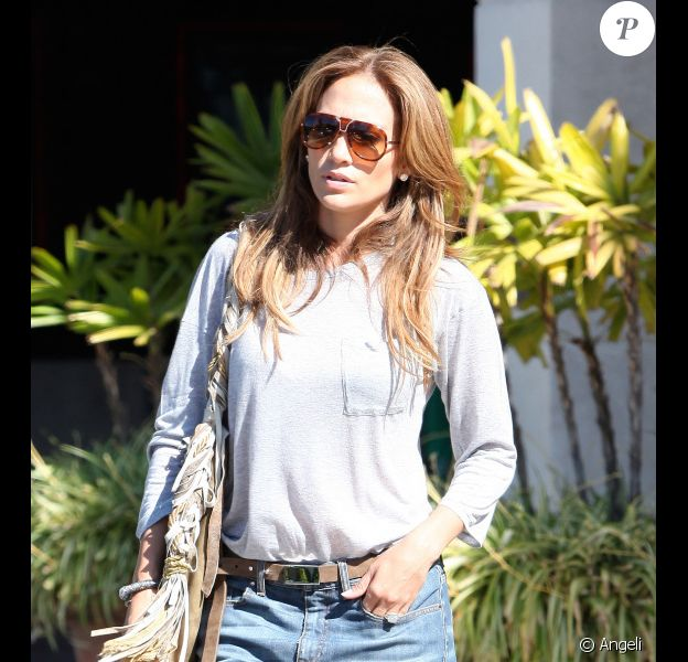Jennifer Lopez en pause shopping en Californie le 22 juillet 2010