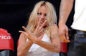 Photos : Pamela Anderson maman poule et fraîchement célibataire...