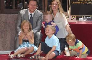 Mark Wahlberg partage son moment de gloire avec sa femme et ses irrésistibles enfants !