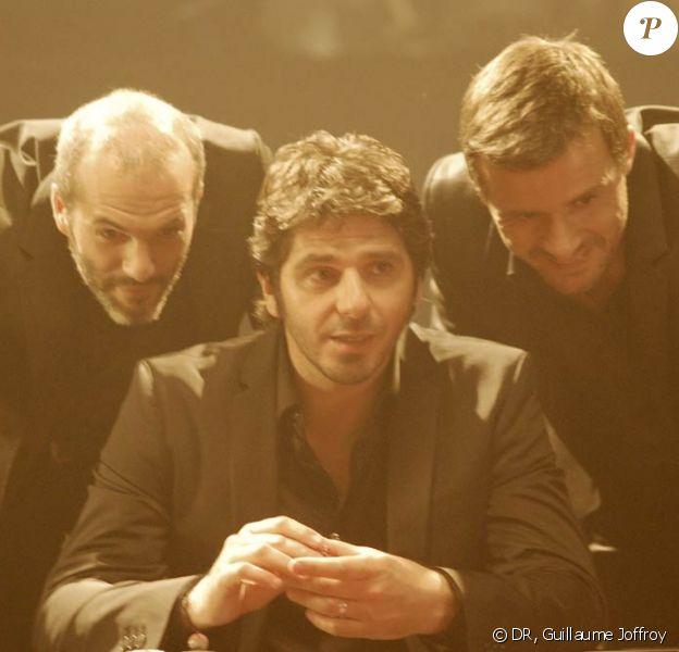 Nuit du 26 juillet 2010, à Paris : Patrick Fiori tourne, sous la direction de Patrice Laffont, le clip de Peut-être que peut-être, premier single de son nouvel album. Et devient acteur d'une histoire d'amitié...