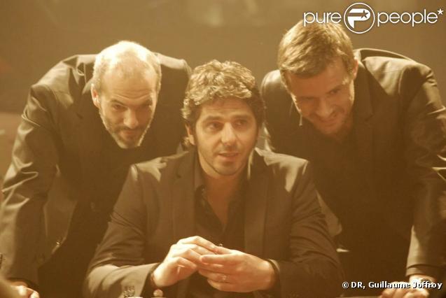 Nuit du 26 juillet 2010, à Paris : Patrick Fiori tourne, sous la direction de Patrice Laffont, le clip de  Peut-être que peut-être , premier single de son nouvel album. Et devient acteur d'une histoire d'amitié...