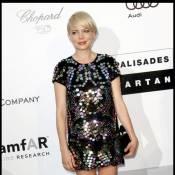 Michelle Williams : Entre deux scènes, la blonde mutine s'amuse comme une enfant !