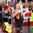 La chanteuse américaine Kesha donne un mini concert dans l'émission Today Show à New York, le 13 août 2010