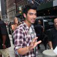 Joe Jonas, à la sortie de son hôtel à New York, lundi 16 août.