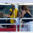 Heidi Klum, Seal, et leurs enfants, en pleine croisière sur la mer méditerranée. Le chanteur livre un concert à sa famille. Août 2010