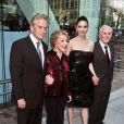 Michael Douglas avec sa femme Catherine Zeta-Jones, Anna et Kirk Douglas
