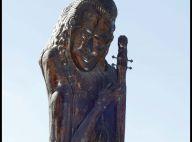 La statue de Johnny Hallyday vendue pour la somme de...