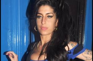 Amy Winehouse : Elle expose son popotin au beau milieu de la nuit et en pleine rue !
