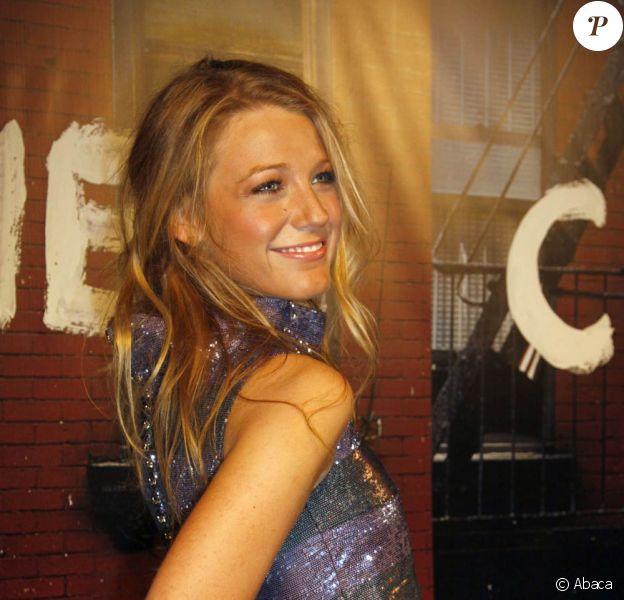 La ravissante Blake Lively à l'occasion de la réouverture de la boutique Chanel, du quartier de Soho, lors du Mercedes Benz Fashion Spring, à New York, le 9 septembre 2010.