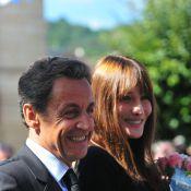 Carla Bruni affiche un look pas vraiment glamour pour une visite... historique !