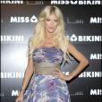 """Victoria Silvstedt lors du défilé """"Miss Bikini"""" dans le cadre de la Fashion Week de Milan, le 22 septembre 2010"""
