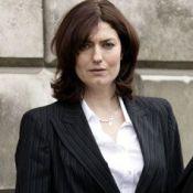Anna Chancellor : Celle qui avait ''frappé'' Hugh Grant à son mariage se marie !