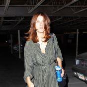 Kate Walsh, toujours jambes nues, aurait-elle la phobie des pantalons ?