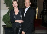Kate Moss, en amoureuse à Paris, nous donne une leçon de style !