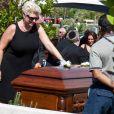 Jill Curtis à l'occasion des funérailles de la star hollywoodienne Tony Curtis (mort à 85 ans), au cimetière Green Valley, à Las Vegas, le 4 octobre 2010.