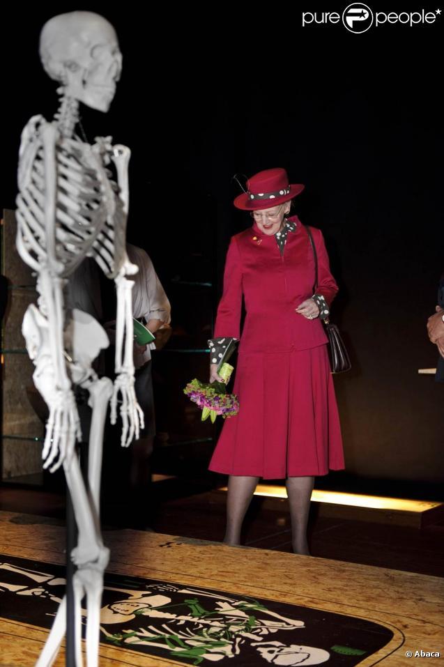 Le 8 octobre 2010, la reine Margrethe de Danemark inaugurait à Copenhague une exposition consacrée à ses rapports avec l'archéologie.