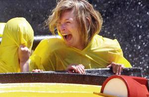 PHOTOS : Kate Moss s'éclate toute mouillée