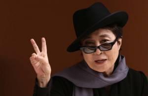 Yoko Ono revient sur les lieux d'une photo scandaleuse !
