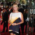 L'ancienne Spice Girls, Emma Bunton, reste fidèle à son amie et porte une robe signée VB...